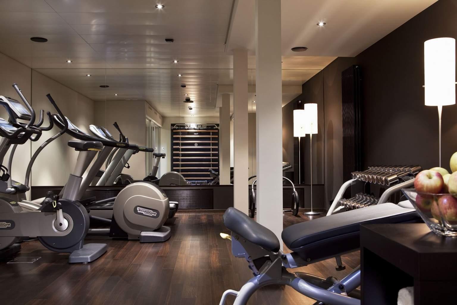 Espace Fitness Hôtel Wellness à Bâle· Suisse : Sauna, Salle de Fitness· Hôtel D à Bâle