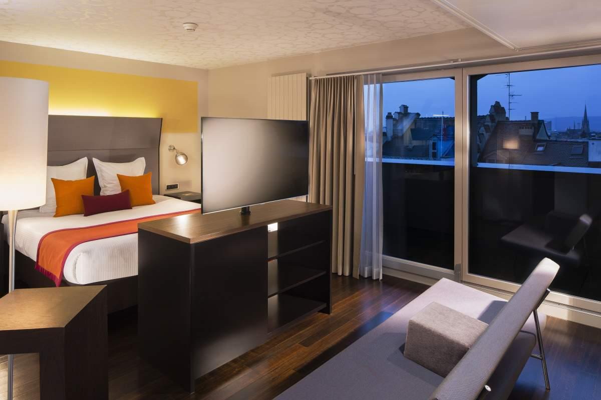 Chambre de l'Hôtel D Bâle· Suisse· Hôtel Design 4 étoiles